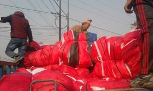 Blankets loading truck 3
