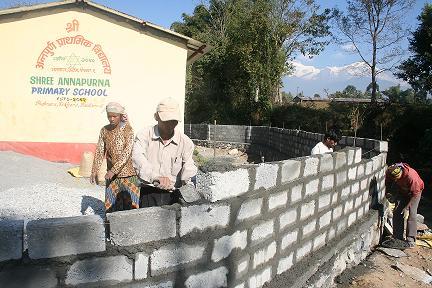 Foto 2 muur bouwen APS 2007